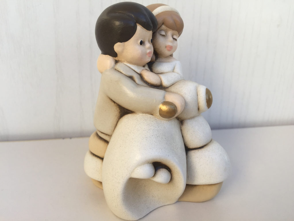 Egan statuine bomboniera linea sposini ceramica idea for Regalo mobili soggiorno milano